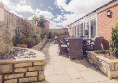 exmouth-bed-and-breakfast-relax-in-the-garden