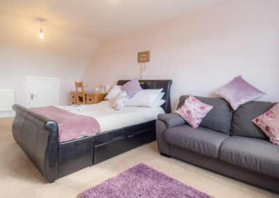 french-style-bed-at-tlc-bed-and-breakfast-exmouth