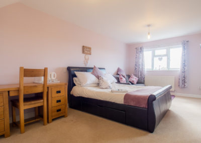 luxurious-bedroom-tlc-bed-and-breakfast-exmouth