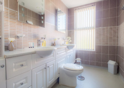 oak-room-bathroom-tlc-bed-and-breakfast-exmouth-devon